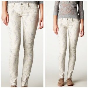 American Eagle Outfitters cream printed jegging